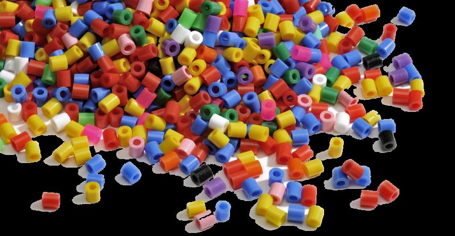 En bunke af HAMA perler i mange forskellige farver
