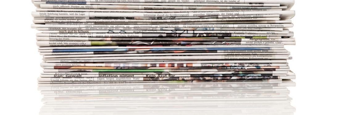Aviser i en stak